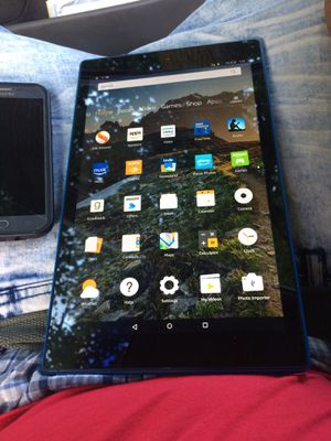 Amazon kindle fire 🔥 no locks with chager for Sale in Detroit, MI