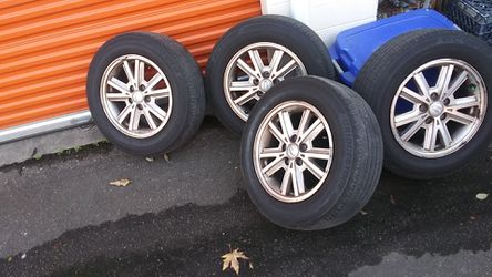 Stock 2008 mustang rims & tires for Sale in Seattle,  WA