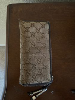 Gucci wallet for Sale in Brentwood,  CA