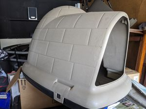 Brand new Indigo Igloo Dog House Size Medium for Sale in Torrance, CA