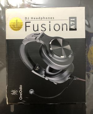 OneOdio A71 Over Ear DJ Headphones with Boom Mic for Sale in Los Angeles, CA