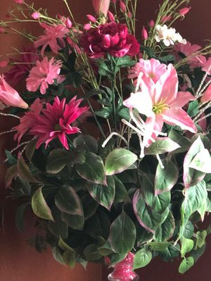Beautiful Flower arrangement for Sale in San Antonio, TX