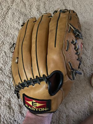 Easton 12 1/2 inch EX1253 competitor Siri's house baseball glove made in Philippines VRS gel pad competitor series for Sale in Philadelphia, PA