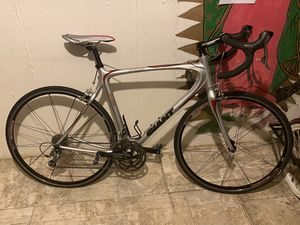 """Sell or trade my 54 """" carbón giant ocr c3. Road bike for Sale in Aurora, CO"""