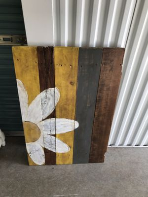 Painted pallet for Sale in Bend, OR