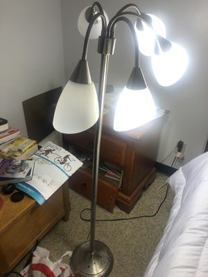 Decor Works 5 Light Floor Lamp with White Shades for Sale in Lynn, MA
