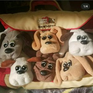 Vintage Pound Puppies Plush Toys with Carrying Case for Sale in Independence, OH