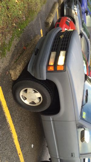 I have chevy 91 1500 190 miles very good engine 4*4 Asking 2500 for Sale in Elkins, WV