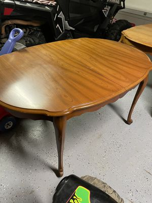 Dining room table for Sale in Masontown, PA