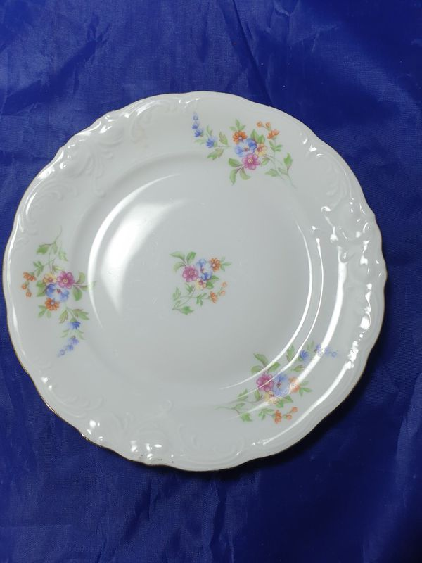 Royal Kent Collection Elegant plate