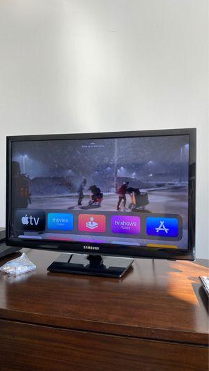 "24"" Smart TV w/remote for Sale in Washington, DC"