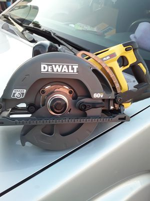 DEWALT 60V MAX 7-1/4 WORM DRIVE STYLE SAW TOOL ONLY for Sale in San Diego, CA
