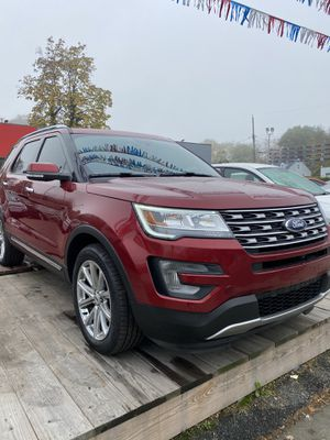 2017 Ford Explorer Limited 4WD V6 LOW MILES ONE OWNER for Sale in Woodlawn, MD