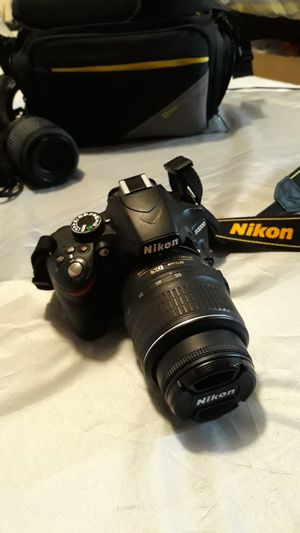 Nikon D3200 with 2 lenses and case for Sale in Montville, CT