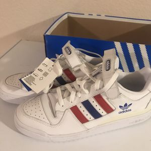 Adidas 10.5 for Sale in Gilroy, CA