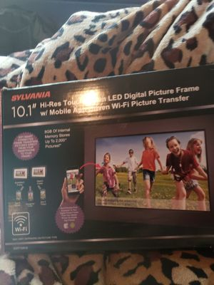 Sylvania touchscreen LED digital picture frame for Sale in Clackamas, OR