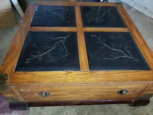 Coffee table for Sale in Charleston, WV