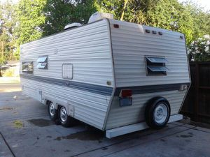 22FT Ventura Travel Trailer Excellent Condition Roof Air for Sale in Stockton, CA
