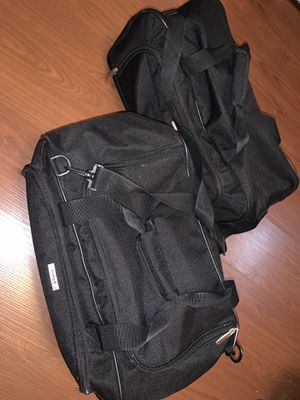 2pcs duffle bags for Sale in San Marino, CA