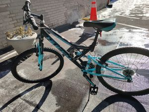 Huffy mountain bike like NEW for Sale in Bloomington, MN