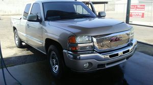 Gmc sierra 2006 clean title low miles 116000 for Sale in Sanger, CA