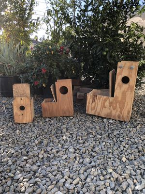 Like New Parrot & Used Lovebird Nest Boxes for Sale in Corona, CA