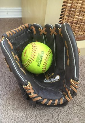 Rawlings Left Hand Softball Glove for Sale in San Diego, CA