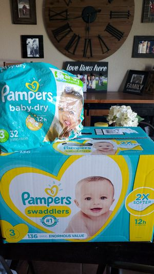 New box of size 3 diapers for Sale in Bakersfield, CA