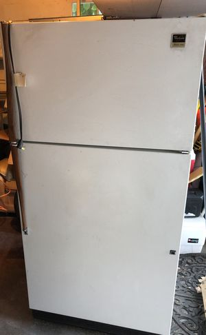 Princess Series Whirlpool refrigerator for Sale in Portland, OR