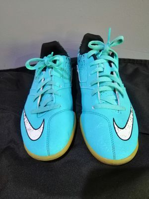 Nike indoor soccer shoes 5y for Sale in Carrollton, TX