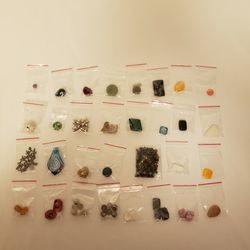 Beads - Rock, Gemstones, Plastic - For Making Jewelry for Sale in Montesano,  WA