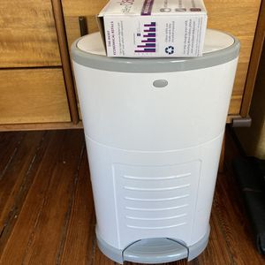 Decor Diaper Pail With Refill Bags for Sale in Philadelphia, PA