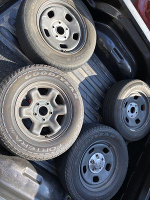 17 inch Rims - Dodge Ram 1500 - Tires in Great Shape for Sale in Lithonia, GA