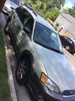 Subaru Outback 206 4wd for Sale in Hyattsville, MD