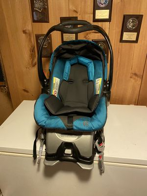 Car seat for Sale in New Britain, CT