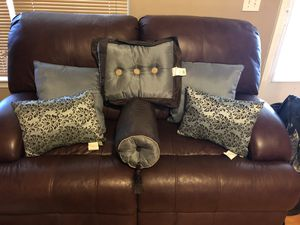 Slate Blue & Brown Throw Pillows for Bed (6) for Sale in Fountain Inn, SC