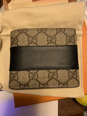 Gucci men's wallet for Sale in Lynchburg, VA