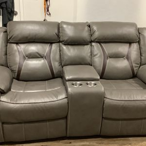Gel Recliner Loveseat Theater Style With Storage & matching Lazy boy for Sale in Signal Hill, CA