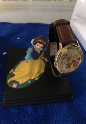Disney Snow White collector watch & figurine for Sale in Chicago, IL