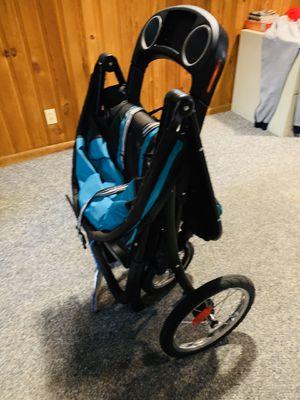 Graco jogging stroller for Sale in Philadelphia, PA