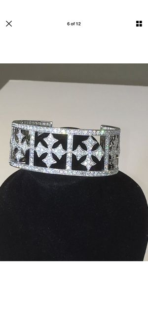 18k white gold ladies 8.34 ct diamond cuff bracelet / custom made 53.5 grams for Sale in Phoenix, AZ