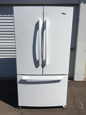 Whirlpool french door white refrigerator, in good condition everything works very well, clean, W36 - D32-H69, deliver didponible for Sale in Tempe, AZ