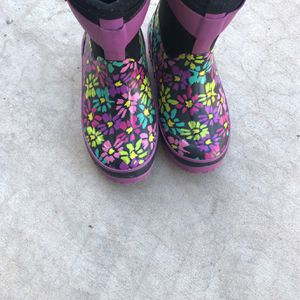 Girls Boots Western Chief - For Rain Or Snow Size 11/12 for Sale in Scottsdale, AZ
