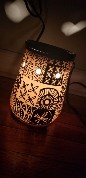 Scentsy warmer for Sale in Roselle Park, NJ