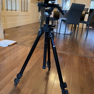Bogen 3221 Professional Tripod Bogen Quick Release With 3028 Head for Sale in Clackamas, OR