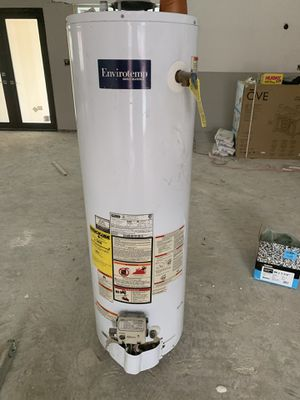 40 gallon gas water heater for Sale in Hialeah, FL