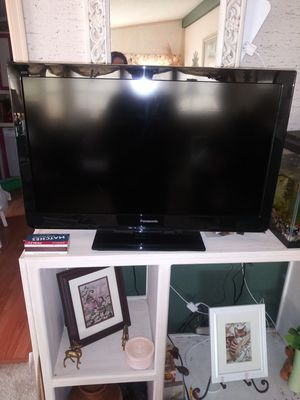 "32"" Panasonic tv for Sale in Redmond, OR"