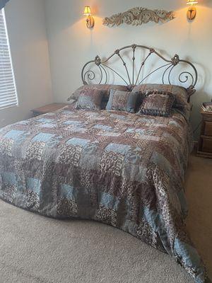 Cal King Bedroom Set for Sale in Hemet, CA