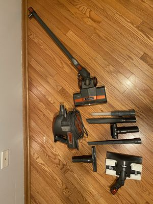 Shark Rocket Ultra-Light Bagless Vacuum for Sale in Chicago, IL