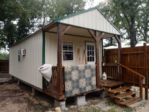 Cabin For a nice truck!!! You keep it here! for Sale in Bryan, TX